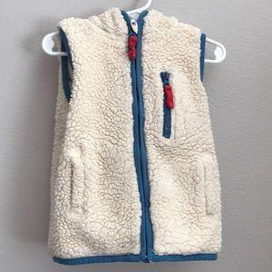 Mini Boden fleece hooded vest